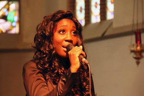 Zondag 5 oktober 2014: Pearl Jozefzoon, solo. Zij is o.a. bekend van de Mattheüs Masterclass in maart 2012 (EO-tv) waar ze de aria Erbarme Dich zong.