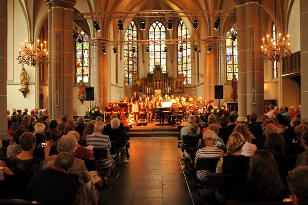 Zondag 5 oktober 2014: concert met Pearl Jozefzoon (solo) en United (interkerkelijk koor) uit Uithoorn o.l.v. Rob van Dijk (tevens vleugel). Begeleiding: Erik Gräber (slagwerk) en Wilbert de Gooijer (basgitaar).