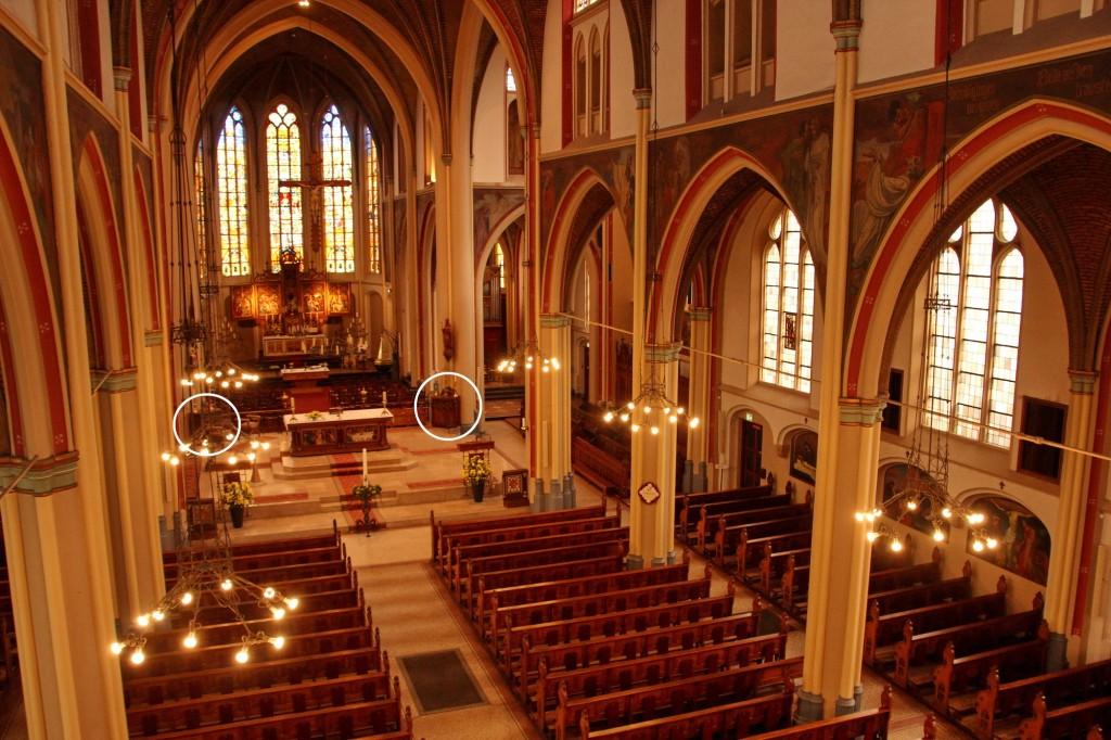 2015-04-16 Mariakerk Adoorn 4878 preekstoel gemerkt_2000pix