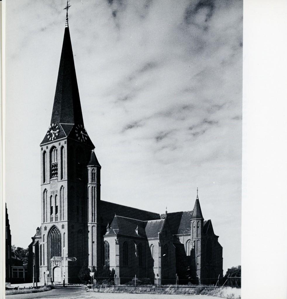 Kerk100jaar004