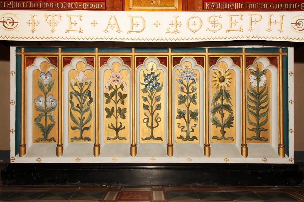 Mariakerk Adoorn Maria-altaartombe 7 deugden - uit Mijdrech-Wilnis 1917 _2000pix