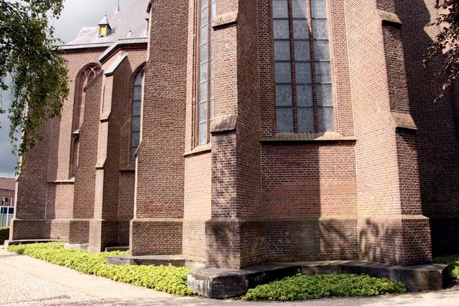 kerk oostgevel apsis 0276-e_650pix