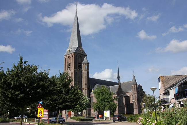 kerk vanaf padmosweg 5716_650pix